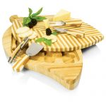 The Leaf Cutting Board Set by Picnic Time